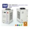 Оптоволоконный лазерный резак охлаждается однонасосным и двухтемпературным чиллером CW-6000.